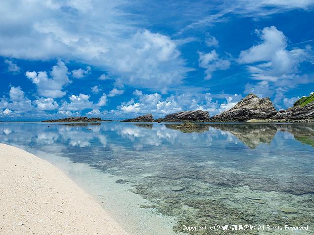 条件が揃うと海面が鏡のように見える
