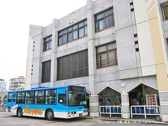 石垣港離島ターミナルまで徒歩3分のバスターミナル