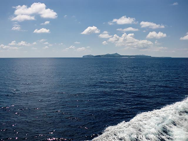与那国島が見えてきた!