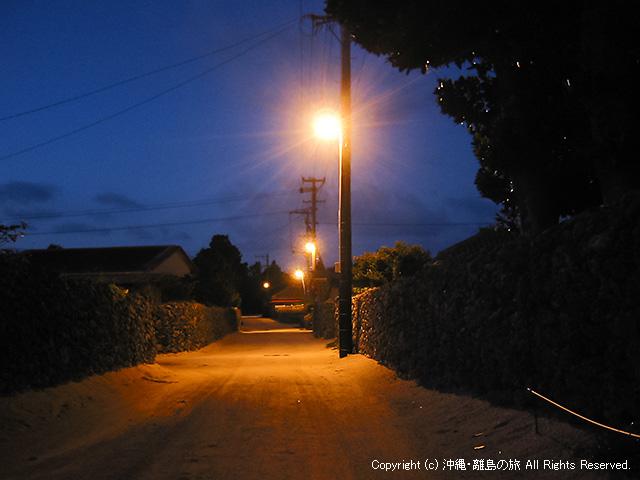 竹富島集落の夜