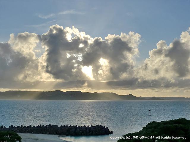 メーギ浜からの夕日