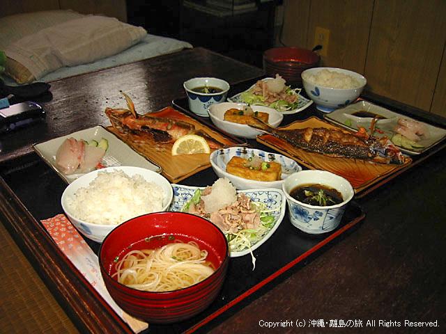 夕食(本館の部屋食)