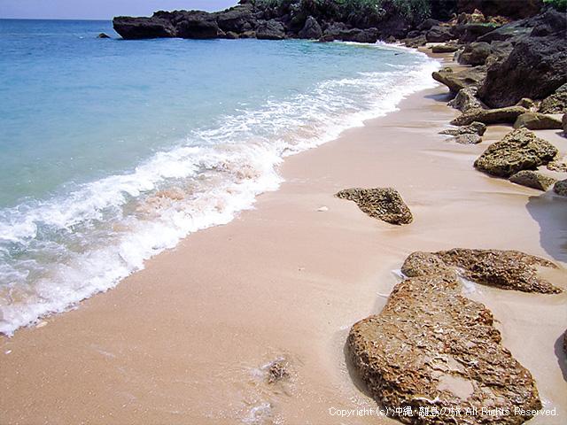潮が引いたときにあらわれる砂浜