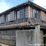 宿の近所にある二階建ての古民家