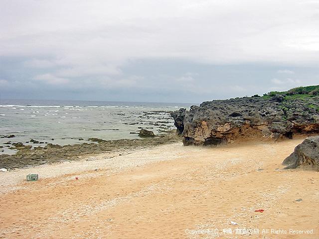 海から流れ着いたゴミが多い・・