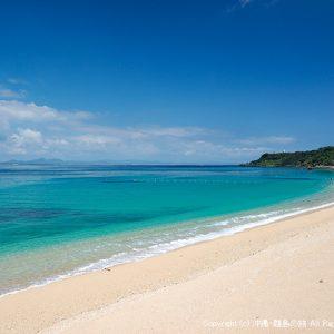 伊計島の広大で美しい天然ビーチの大泊ビーチ