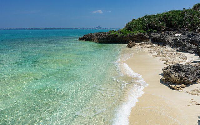 水納島の静かなプライベートビーチ、西の浜ビーチ