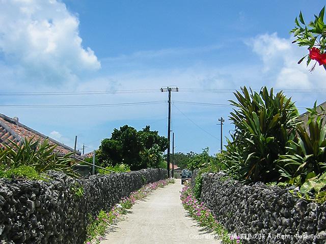 集落の小道再び