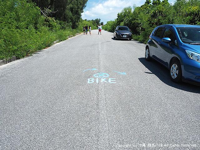 目印となる道路のBIKEという文字