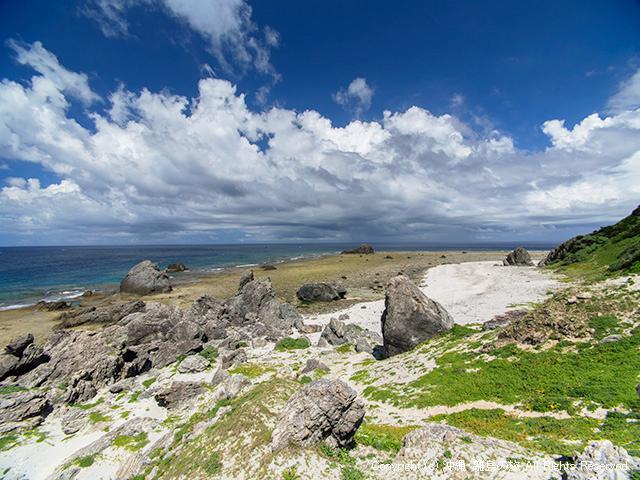 伊平屋島の最北端、田名岬