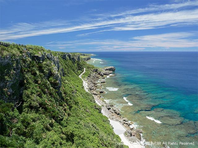 伊江島の断崖と海による絶景が湧出(わじぃー)